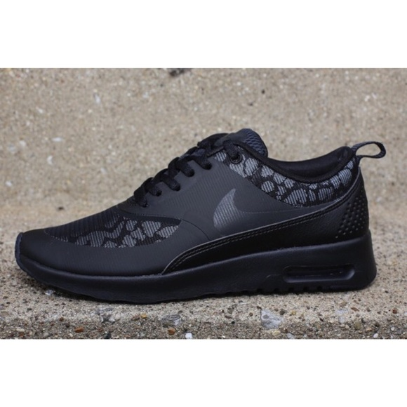 Nike Air Max Thea Leopard Black Sneakers Size 8